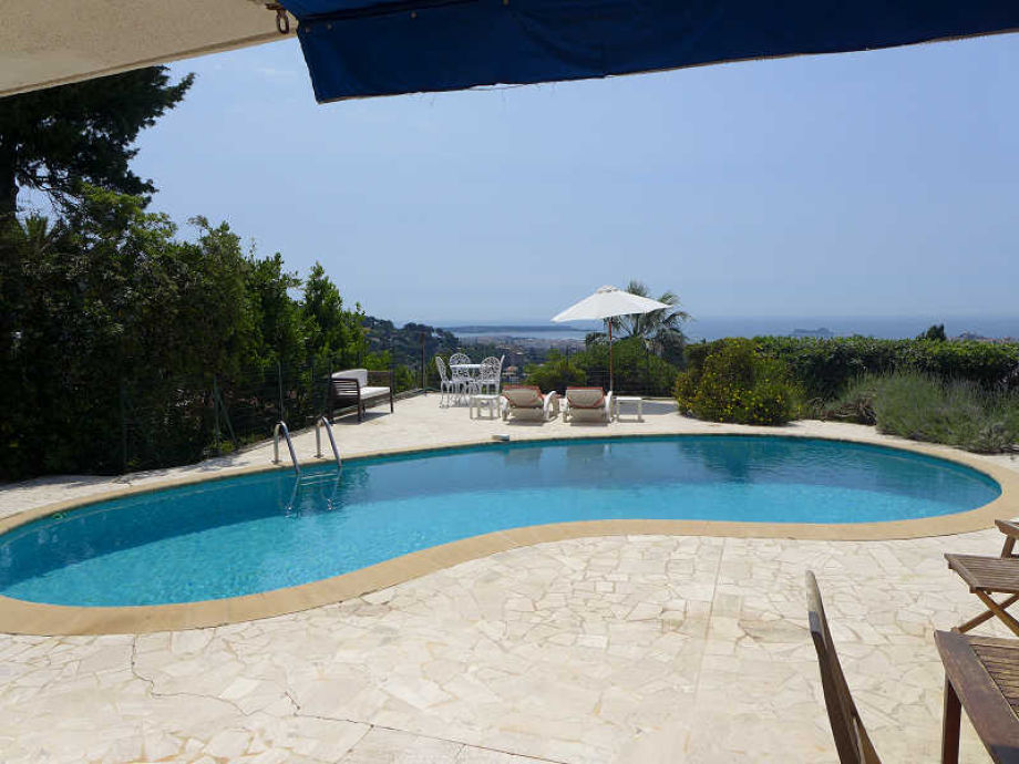 Pool with sea view