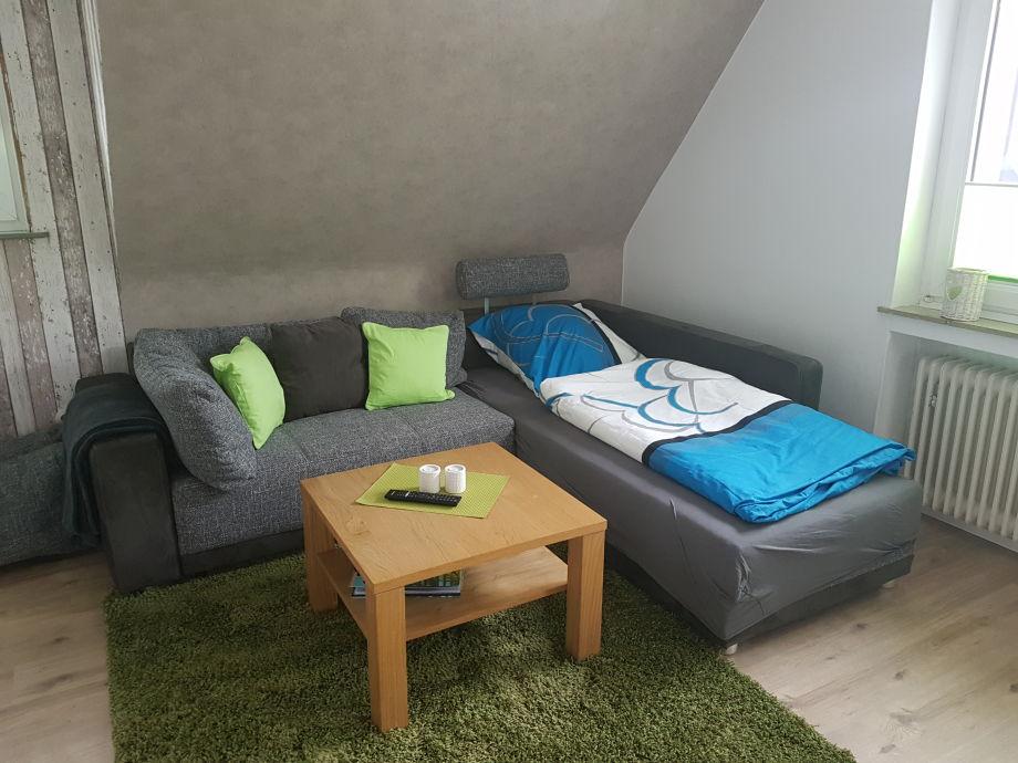 schlafcouch 2 personen free dipu schlafcouch sitzer aus kunstleder mit rckenlehne und behlter. Black Bedroom Furniture Sets. Home Design Ideas