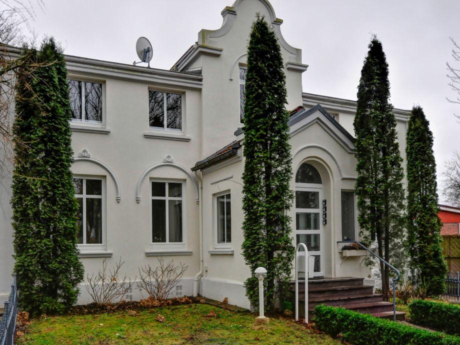 kleine Villa Schwanenteich