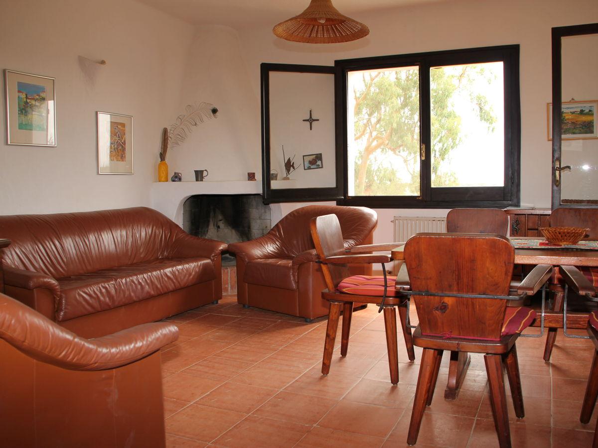 ferienwohnung in der villa torre sardinien capo. Black Bedroom Furniture Sets. Home Design Ideas