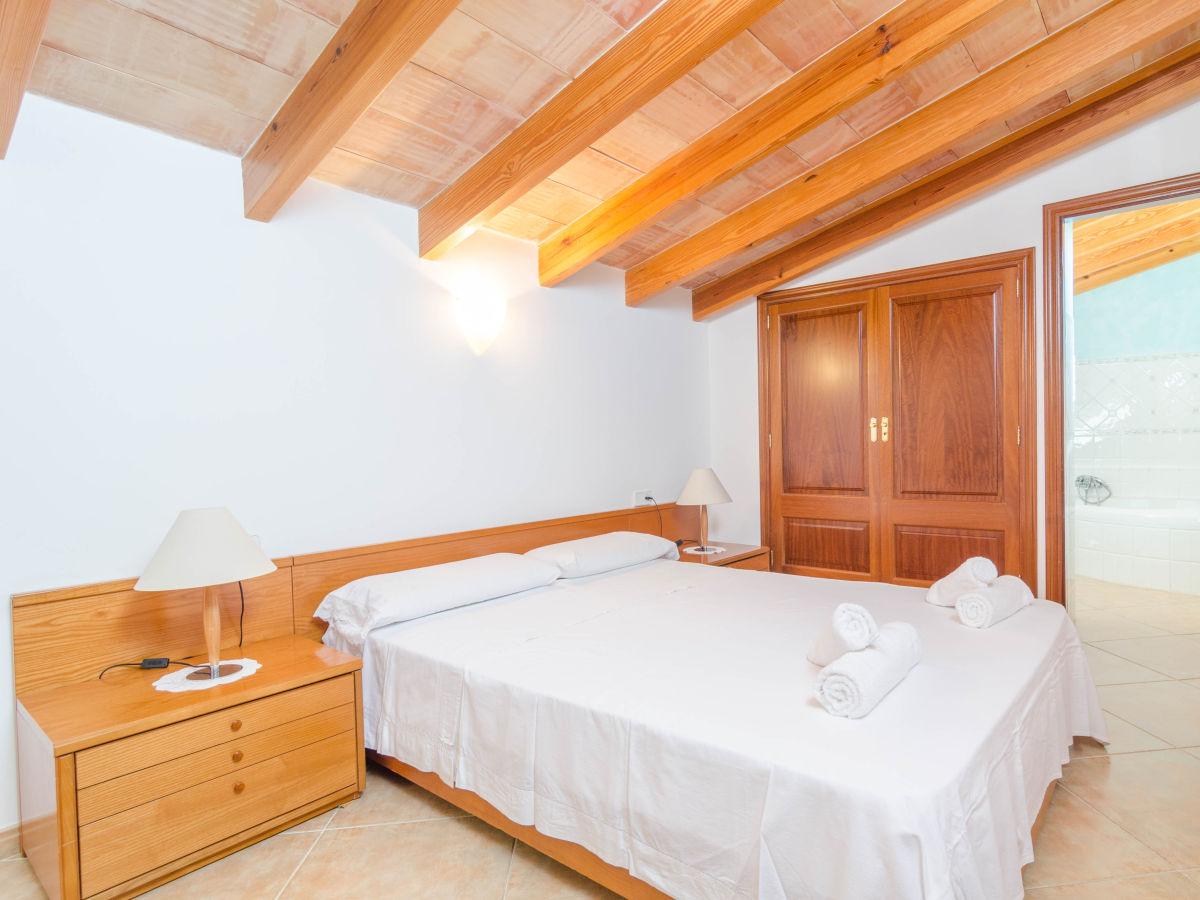 finca pleta de bonany vilafranca de bonany firma. Black Bedroom Furniture Sets. Home Design Ideas