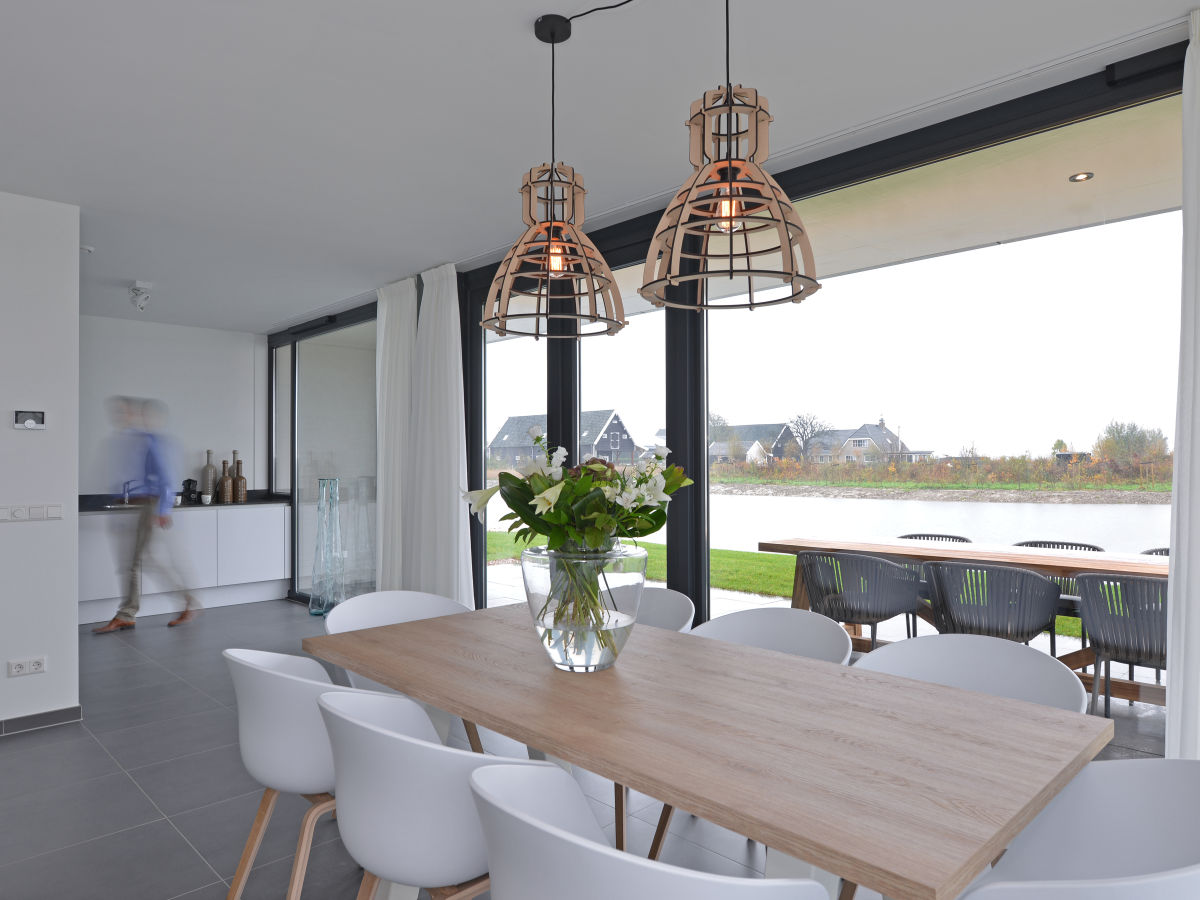 designvilla 6 personen zeeland kamperland firma ruiterplaat recreatiebeheer frau raissa besems. Black Bedroom Furniture Sets. Home Design Ideas