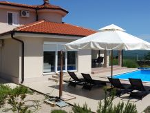 Beautiful Villa Vege with pool