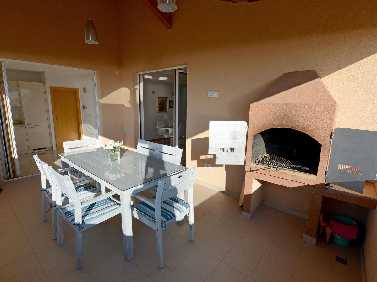 ferienwohnung petrcane north dalmatia firma jaderatours d o o mr drazen soric. Black Bedroom Furniture Sets. Home Design Ideas