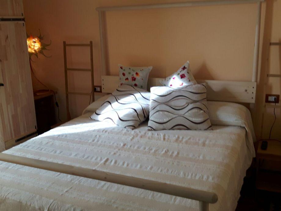 doublebedroom particular