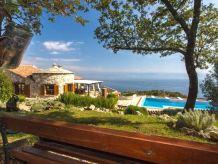 Villa Stunning Villa Le Mont