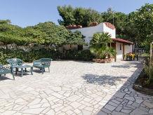 Villa Italia with garden