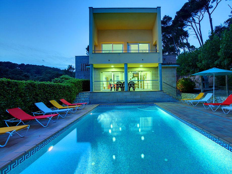 Ferienhaus tamariu 6137 strandnah costa brava firma for Ferienhaus mit pool