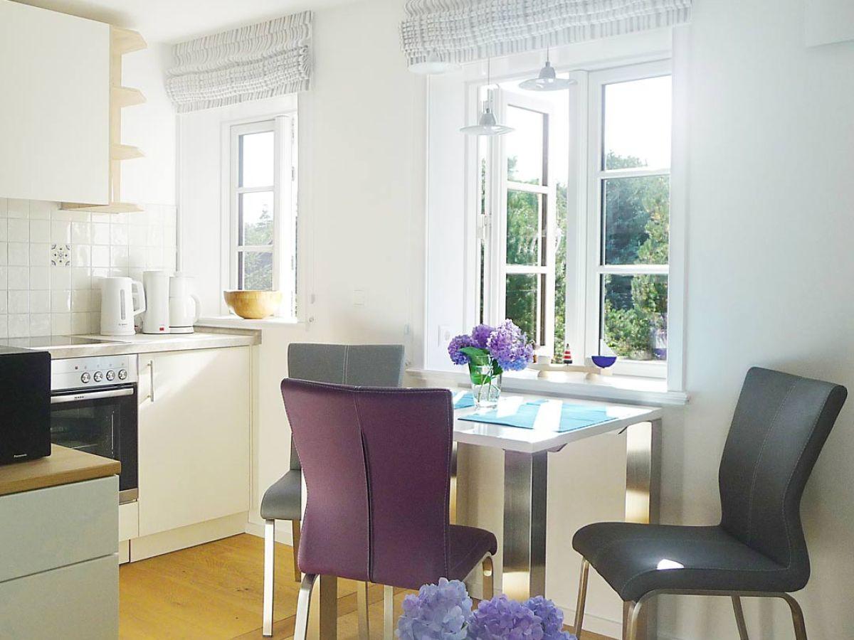 ferienwohnung m we nebel auf amrum nordfriesland frau. Black Bedroom Furniture Sets. Home Design Ideas
