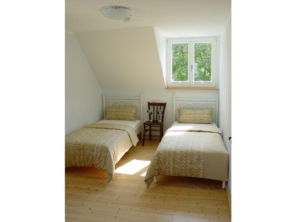 ferienhaus altes winzerhaus senhalser h fe senheim firma senhalser h fe herr dr norbert. Black Bedroom Furniture Sets. Home Design Ideas