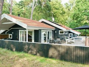 Ferienhaus Nexø, Haus-Nr: 12356