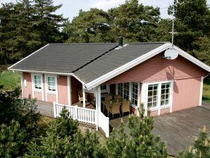 Ferienhaus Nexø, Haus-Nr: 24017