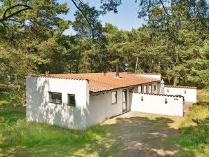 Ferienhaus Nexø, Haus-Nr: 26583