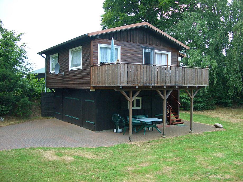 Gemütliches Holzhaus am See