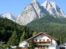 """Ferienwohnung """"Alpspitzblick"""" Haus Reindl"""