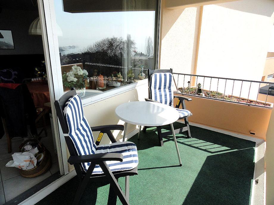 Ferienwohnung muller mit see und alpenblick bodensee for Markise balkon mit tapeten von hammer