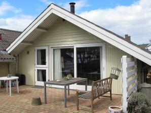 Ferienhaus Askeby, Haus-Nr: 37955