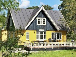 Ferienhaus Nexø, Haus-Nr: 12344