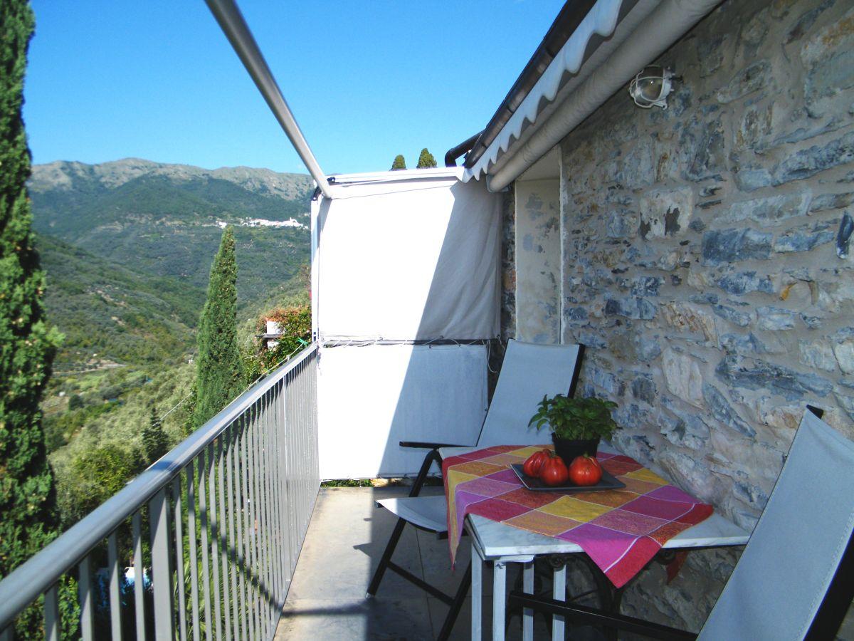 Ferienhaus casa nina imperia prela praelo firma for Markise balkon mit tiefengrund tapete