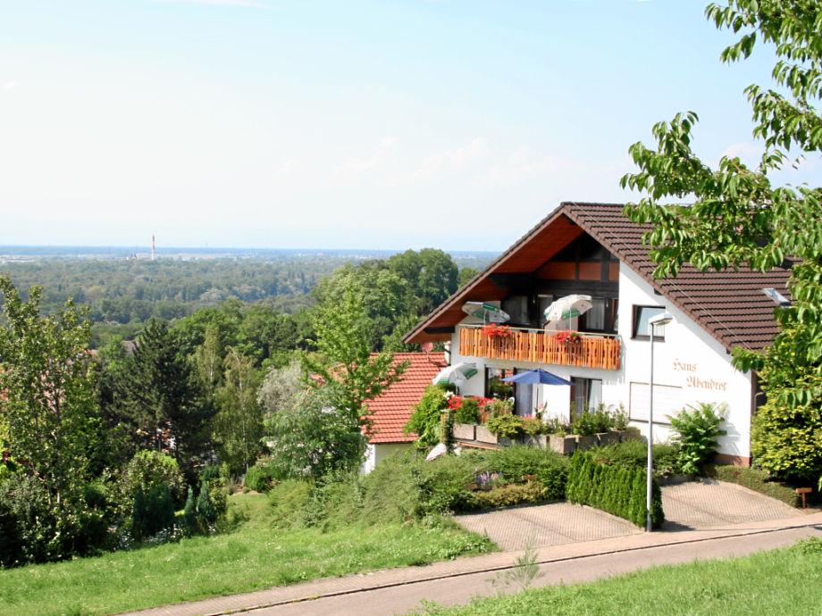 Blick auf das Rheintal und hinüber nach Frankreich