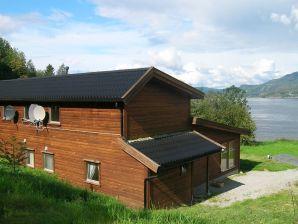Ferienhaus Hjelmeland, Haus-Nr: 11373