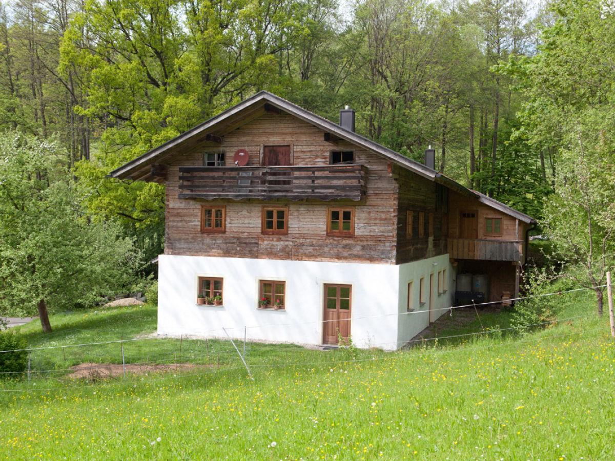 """Ferienhaus """"Uriges Bauernhaus Wanninger"""", Bayerischer Wald - Frau Maria Wanninger"""