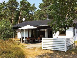 Ferienhaus Nexø, Haus-Nr: 12663