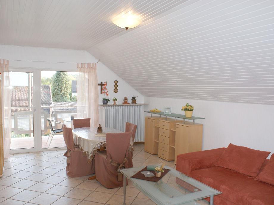 Das Wohn-Esszimmer der Ferienwohnung