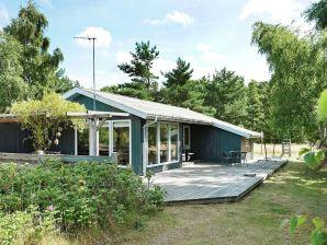 Ferienhaus Aakirkeby, Haus-Nr: 27947