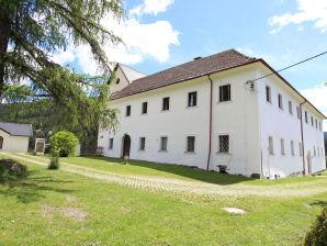 Schloss Gnesau L