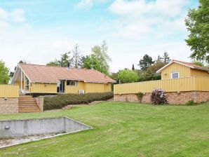 Ferienhaus Bogø By, Haus-Nr: 35604