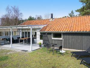 Ferienhaus Nexø, Haus-Nr: 11618
