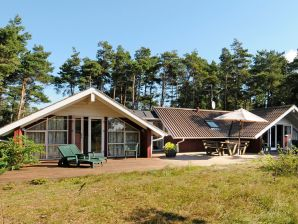 Ferienhaus Aakirkeby, Haus-Nr: 25974