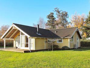 Ferienhaus Bogø By, Haus-Nr: 28374