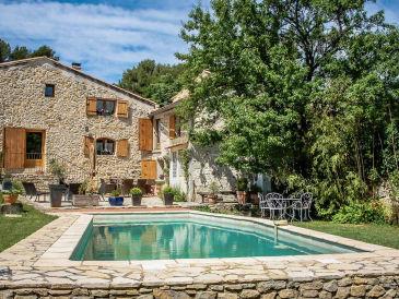 Landhaus 0334 La Campanule 10P. Orsan, Gard