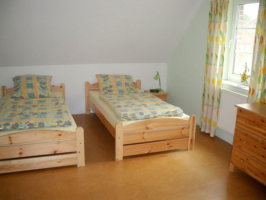 Schlafz.mit 3 Betten u.1 KB