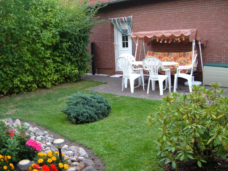Schöne umgrünte Terrasse