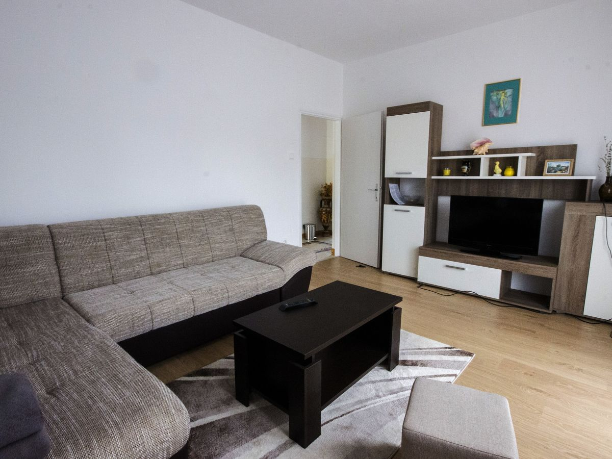 ferienwohnung mladen nedescina firma luna adriatica herr leonardo licul. Black Bedroom Furniture Sets. Home Design Ideas