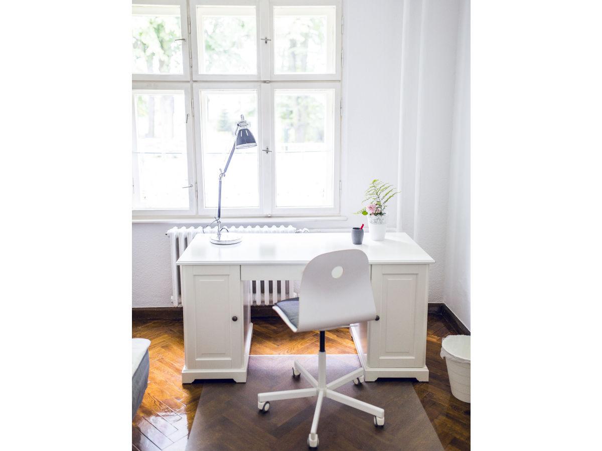 ferienhaus am zeuthener see berlin zeuthen frau. Black Bedroom Furniture Sets. Home Design Ideas