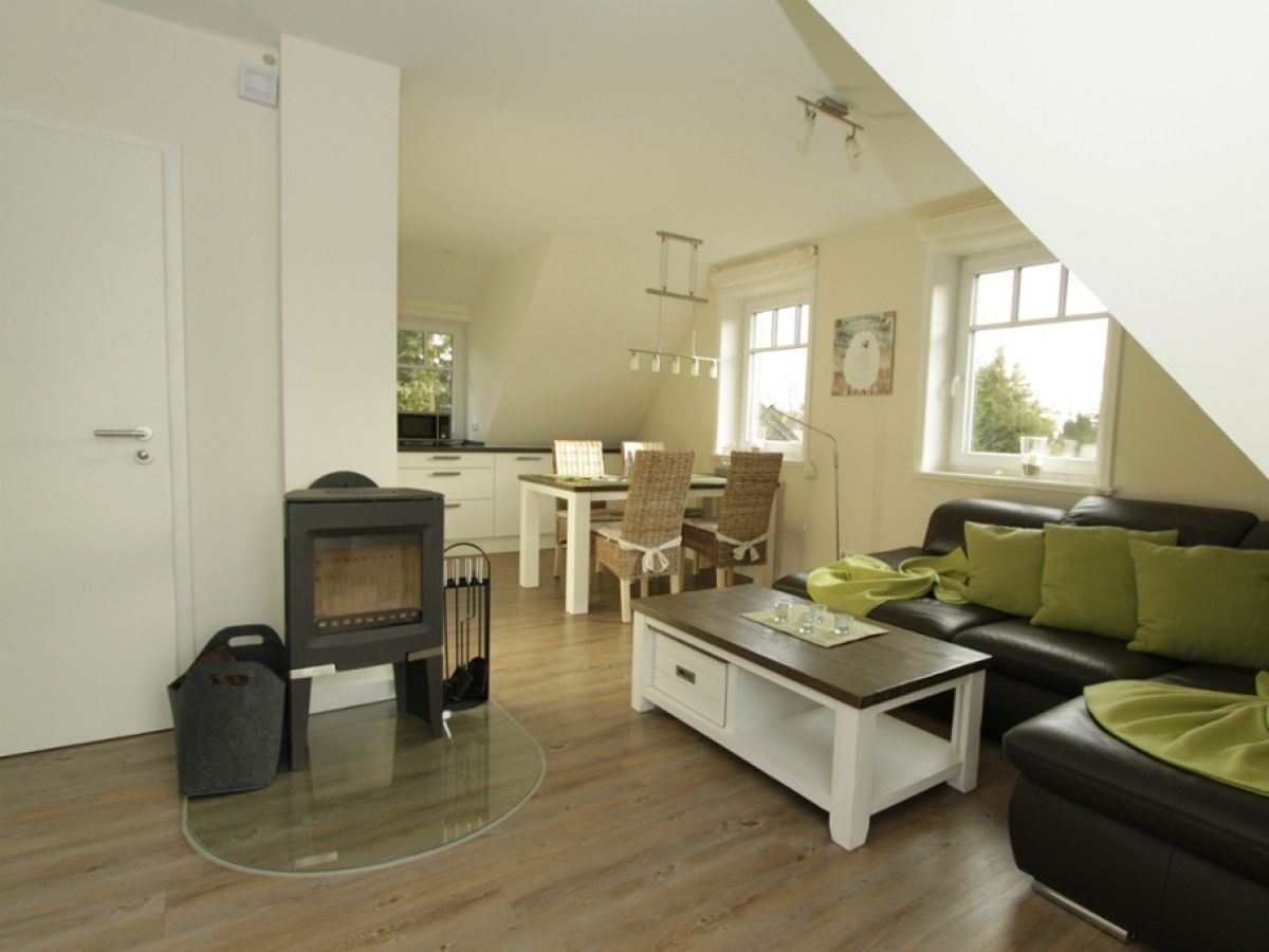 ferienwohnung finn og dat rode huus f hr firma anja. Black Bedroom Furniture Sets. Home Design Ideas