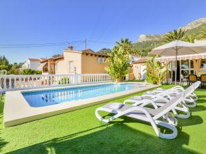 Villa Nacar