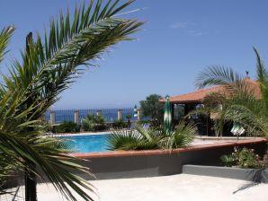 Ferienwohnung Nr. 3 in der Residence Valentina in Balestrate mit Pool am Meer