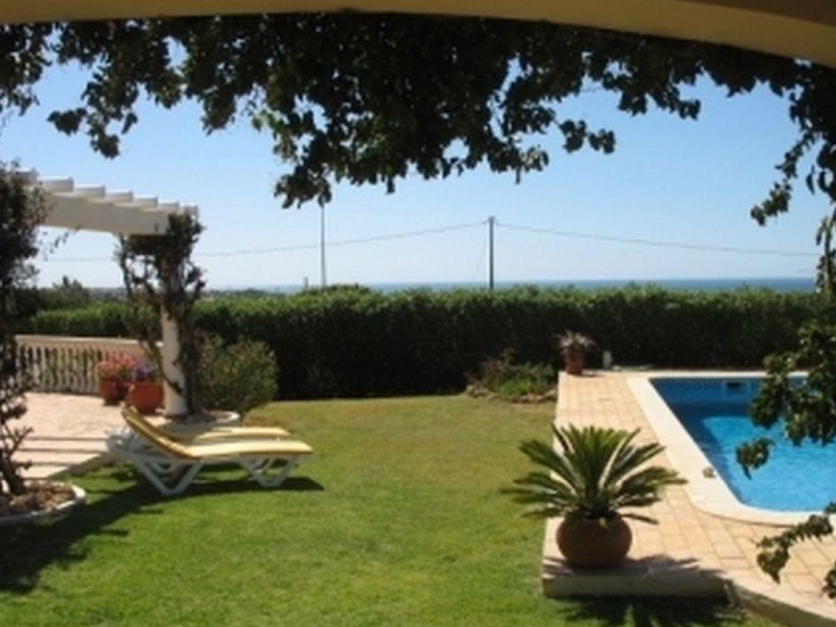 ferienhaus villa do farol algarve carvoeiro firma lda property sales. Black Bedroom Furniture Sets. Home Design Ideas