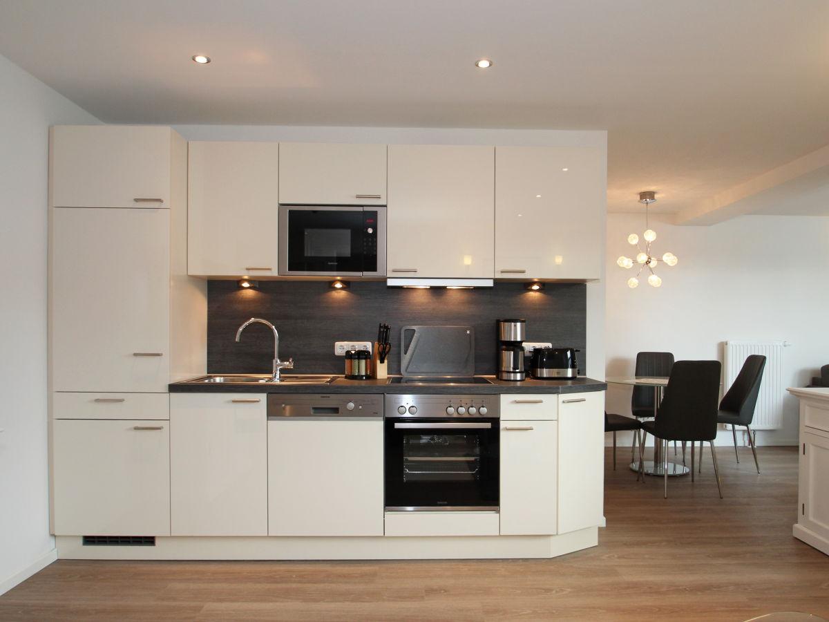 Ferienwohnung residenz am timmendorfer platz app 2 for Fertige kuchenzeile