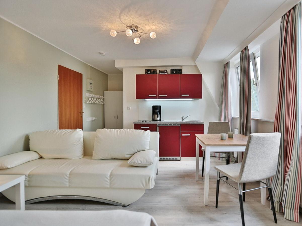 ferienwohnung landhaus k ppen app 16 ostsee timmendorfer strand firma ostsee appartements. Black Bedroom Furniture Sets. Home Design Ideas