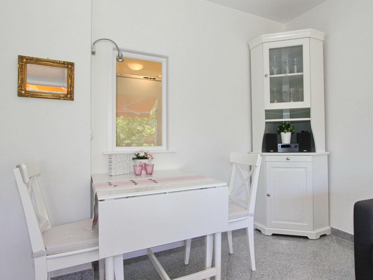 ferienwohnung domizil strandallee 30 app 32 ostsee. Black Bedroom Furniture Sets. Home Design Ideas