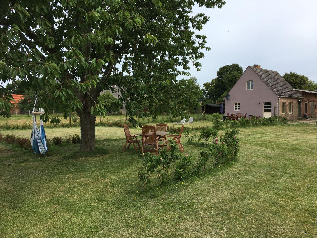 Cottage auf dem erbschulzenhof mecklenburgische - Cottage garten terrasse ...