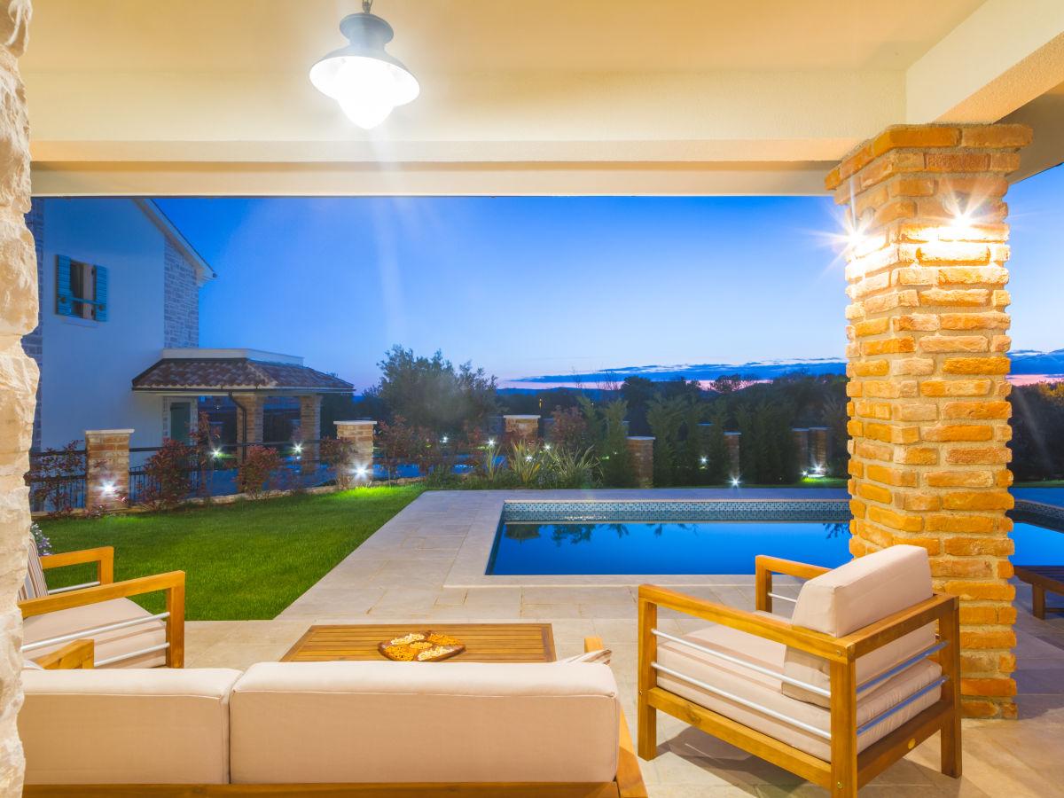 villa kras ladies kroatien kvarner bucht firma vizija plus vizija plus. Black Bedroom Furniture Sets. Home Design Ideas