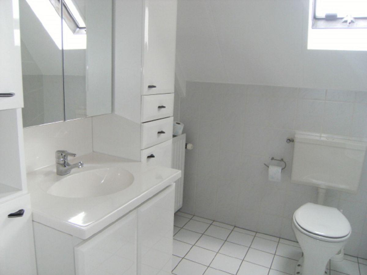 Ferienhaus brekkense wiel 125 ijsselmeer lemmer firma for Badezimmer mit dusche und wanne