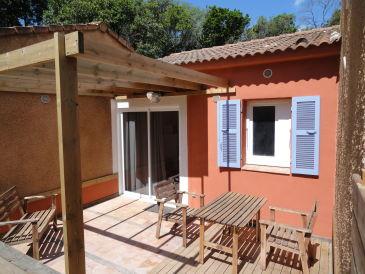 Ferienwohnung La Corse et la plage autrement